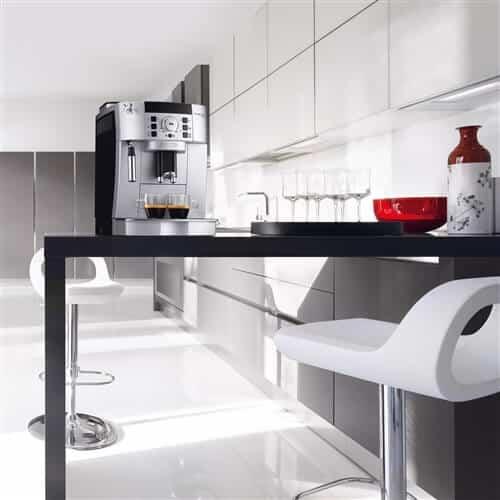Maak thuis de beste koffie met een espresso machine - Mand een machine huis ter wereld ...