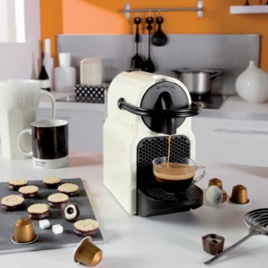 krups inissia review nespresso xn1001 apparaat vivakoffie. Black Bedroom Furniture Sets. Home Design Ideas