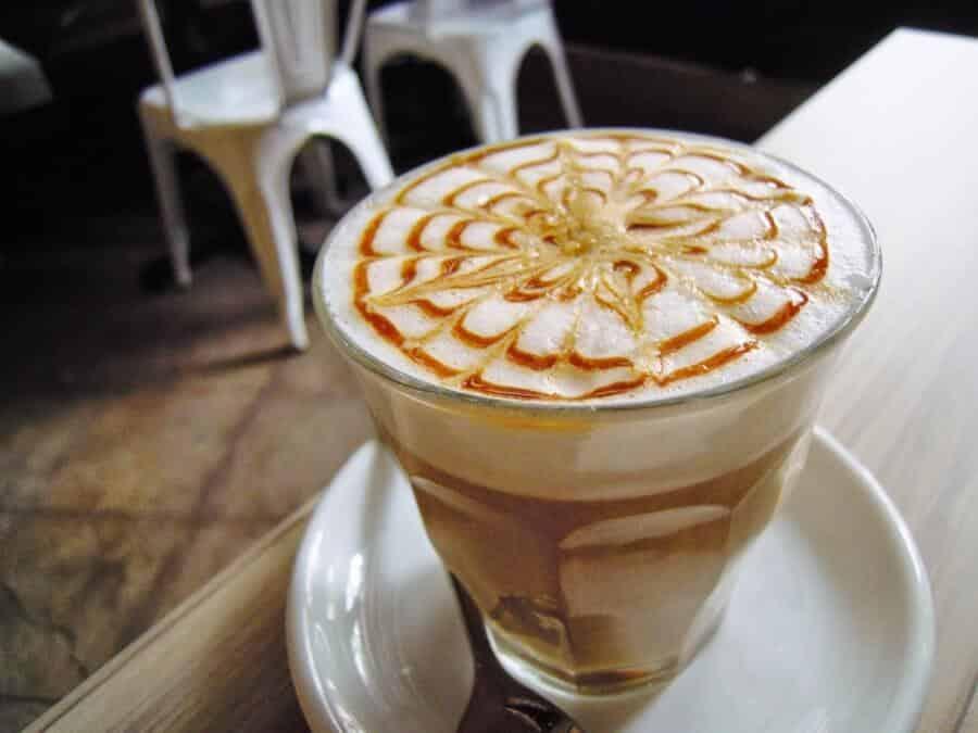 Caffè karamel machiatto