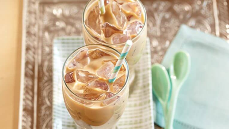 Gebrouwen ijs caffè latte