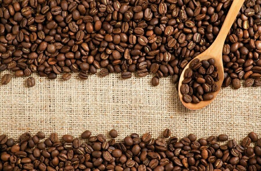 Licht Gebrande Koffiebonen : Hoe zelf koffiebonen malen vivakoffie