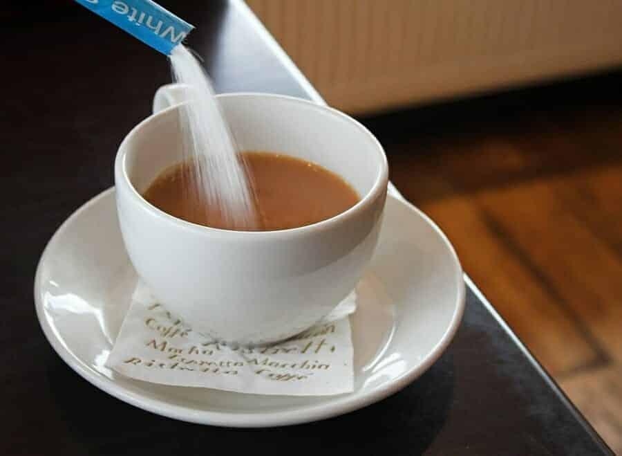suiker in koffie