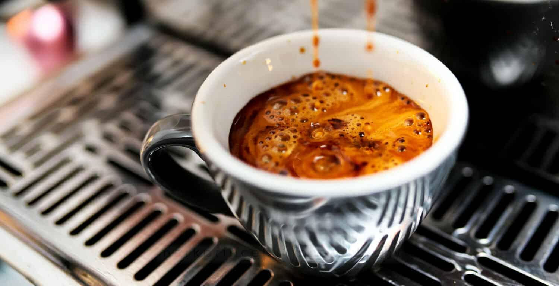 Koffie zetten met keukenweegschaal