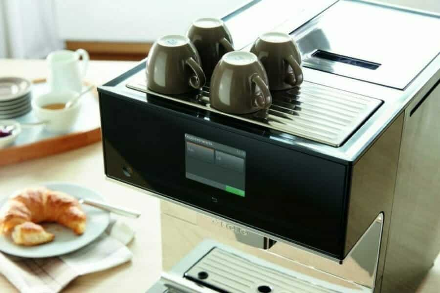 miele 7500 kopverwarmer en touchscreen