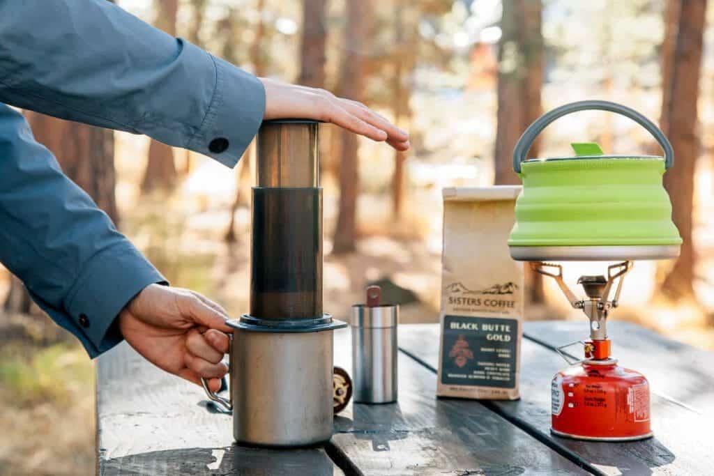 aeropress kamperen koffie zetten