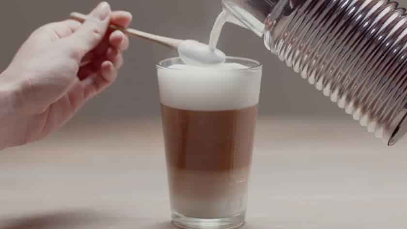 Hoe maak je Cappuccino met een melkopschuimer